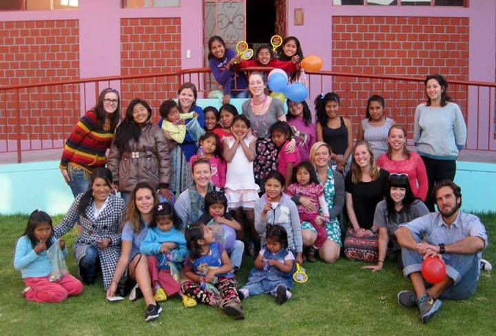 volunteer opportunities abroad holidays seniors retirees peru teaching school