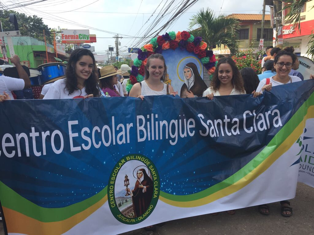 volunteer opportunities abroad holiday free budget honduras christian catholic education teaching children school
