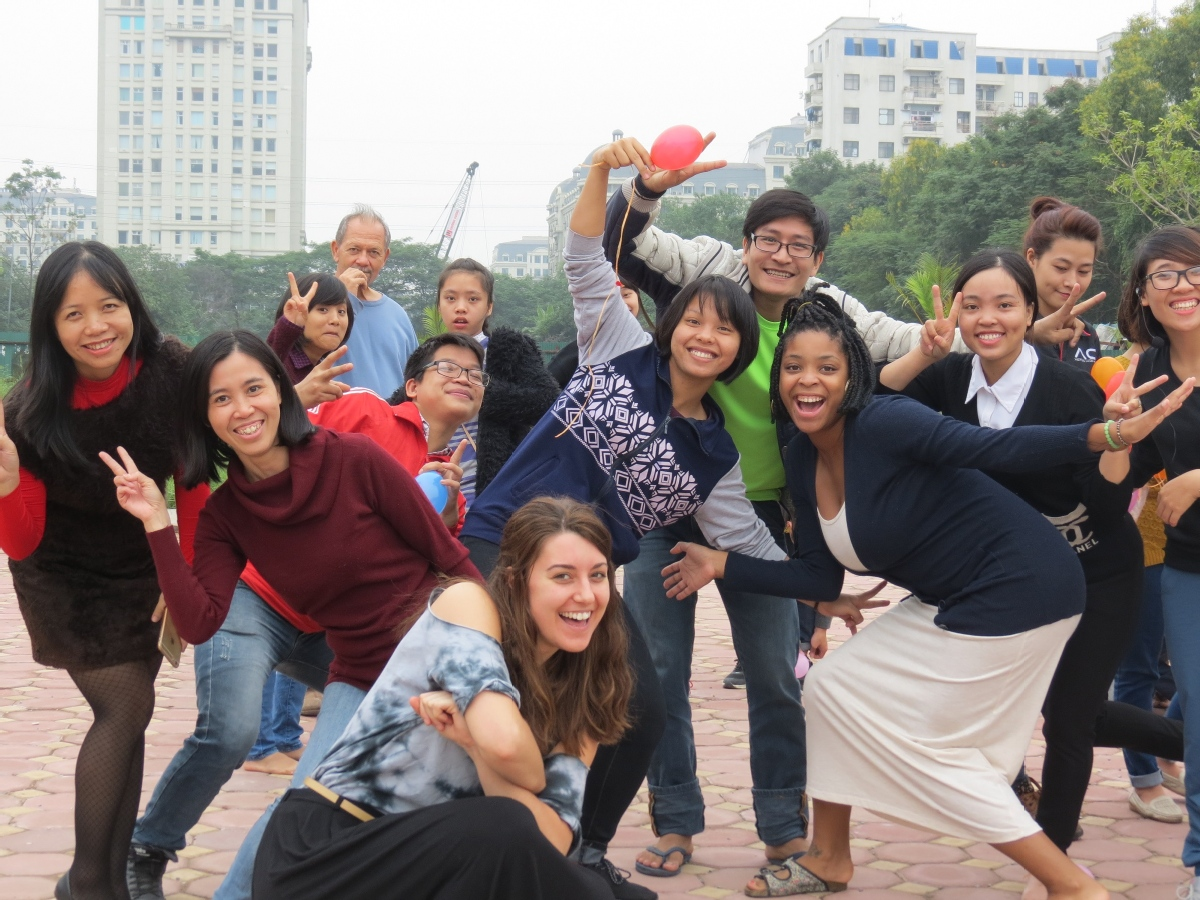 volunteer opportunities abroad holiday free budget vietnam teach english school
