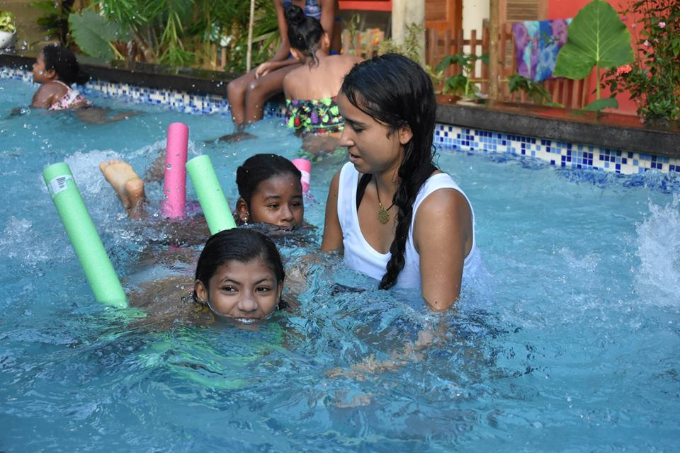 GivingWay Etiv Brazil Volunteer South America Swimming Lessons